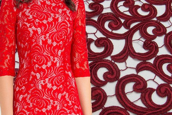 Красная кружевная ткань